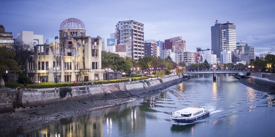 Mama nimmt Söhne Japanische Pflege Sex