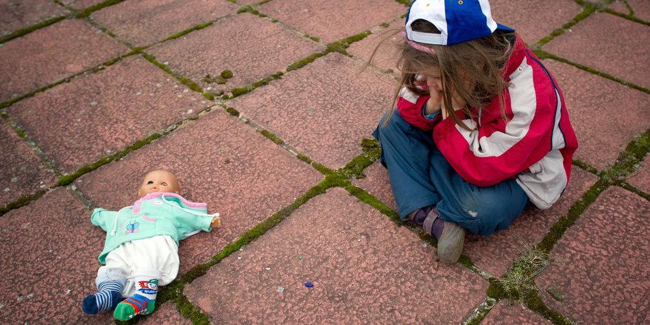 Kinderarmut - Armut der Kinder Hartz IV Unterhalt