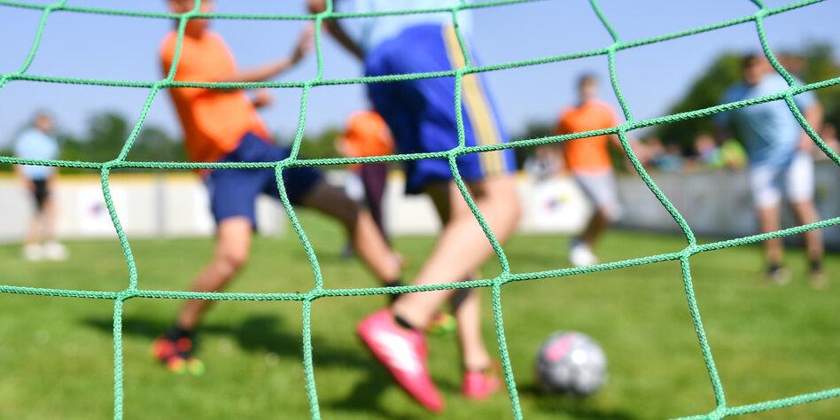 Amateurfußball zu Coronazeiten: Den Fußballkindern fehlt der Kick