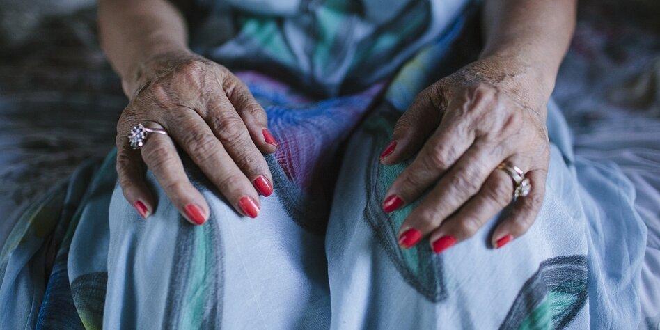 Altersdiskriminierung von Frauen: In Würde altern  unmöglich