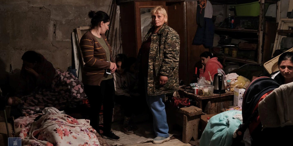 Konflikt Armenien Gegen Aserbaidschan Die Angst In Den Bunkern Taz De
