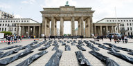 Protestaktion vor dem Brandenburger Tor in Berlin
