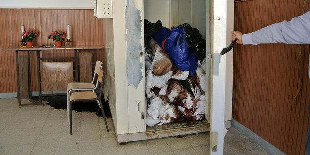 Tote Flüchtlinge im Kühlschrank im Hospital von Augusta