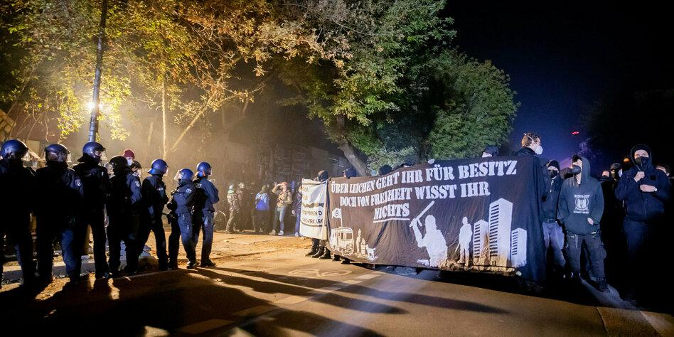 Räumung des Köpi-Wagenplatzes in Berlin: Massiver Protest