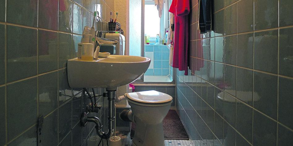 badezimmer altbau, minimale sanitäre anlage: vom hamburger bad - taz.de, Badezimmer