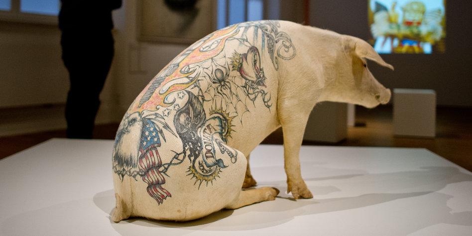 Ausstellung zeigt Geschichte des Tattoos: Sehnsucht nach