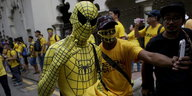 Als Spiderman verkleideter Demonstrant in Malaysia.