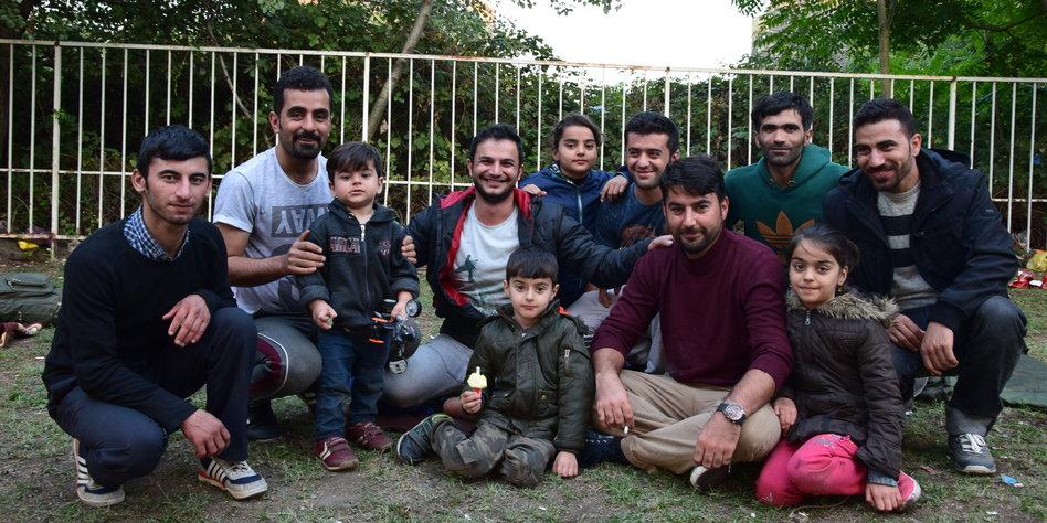 Flüchtlinge in Serbien und Ungarn: Verzweifelt im ...