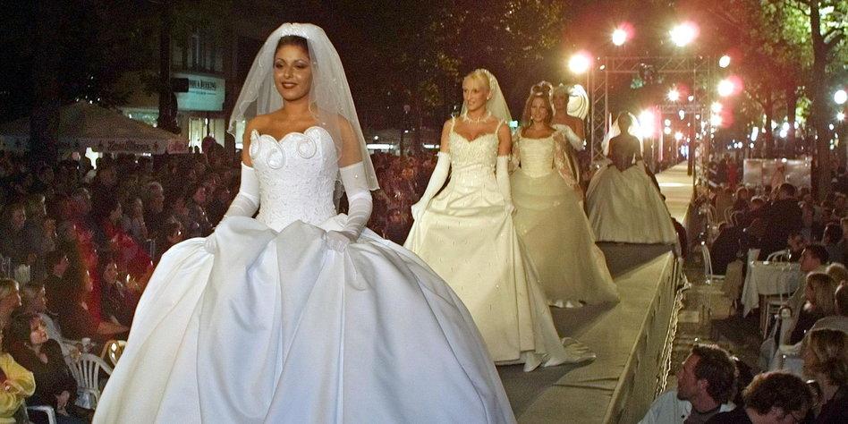 Afrikanische Bräute für die Ehe