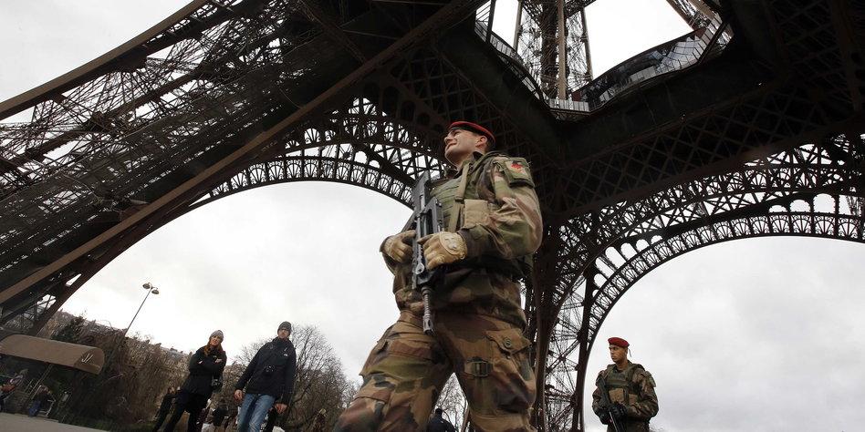 Cafe Paris Tour Eiffel