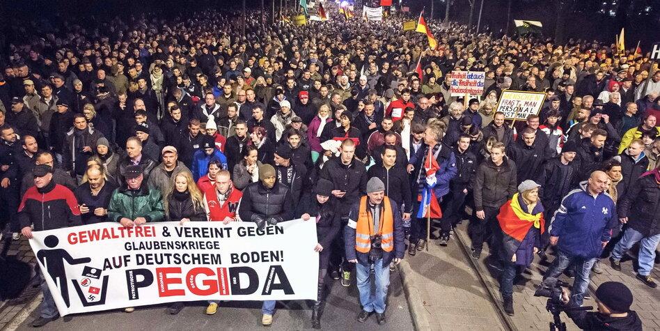Pegida Dresden Demo Live