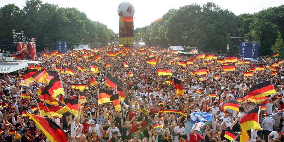 Die Mär Vom Guten Deutschland Sommermärchen Von Wegen Tazde