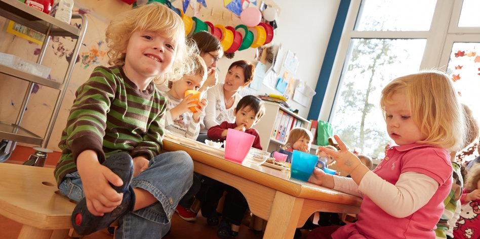 kinder betreuung in hamburg mini wahlgeschenk f r die minis. Black Bedroom Furniture Sets. Home Design Ideas