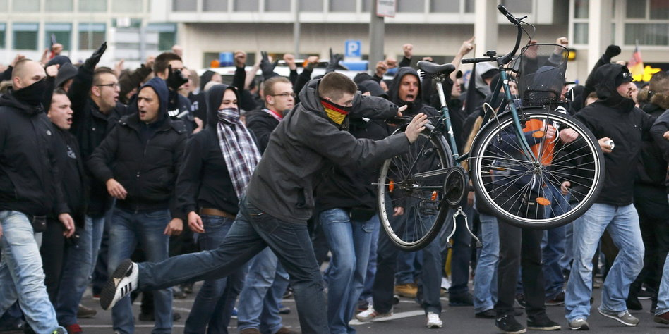 Hooligans Salafisten Köln