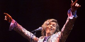 David Bowie beim Glastonbury Festival 2000.
