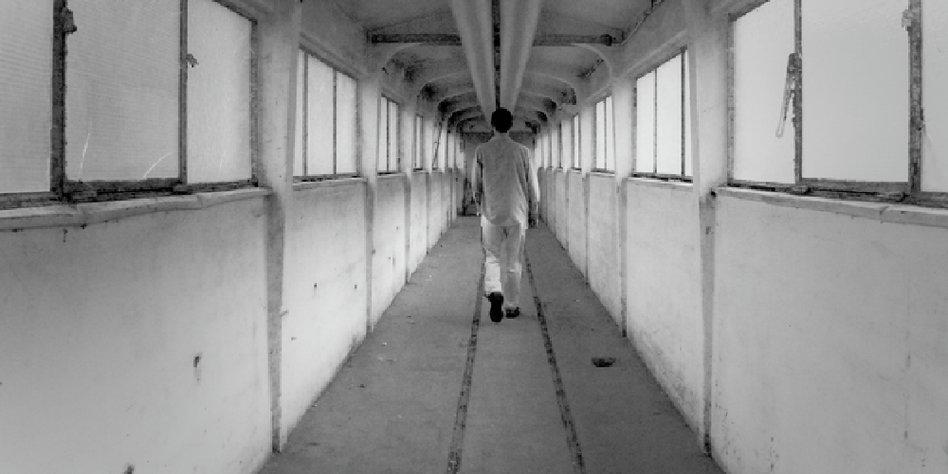 zu besuch in der psychiatrie geschlossene gesellschaft taz