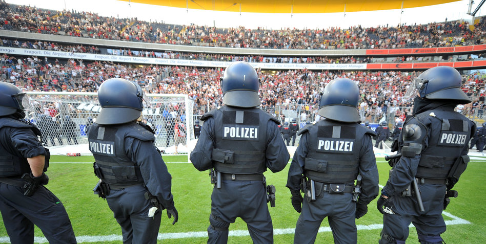 fußball polizei