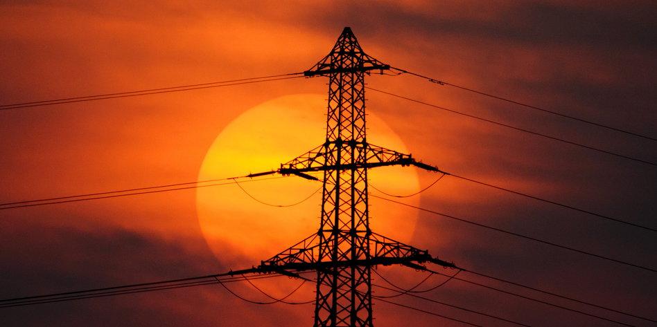 Streit Um Stromtrassen Gabriel Will Auf Der Leitung Stehen Tazde