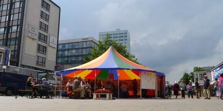 Beteiligung im Zirkuszelt