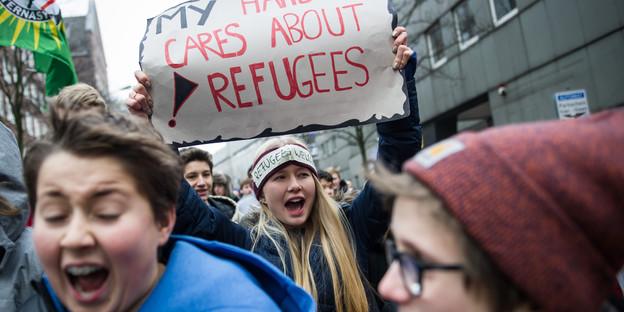 Demo statt Unterricht: Rund 3.500 Schüler forderten ein Bleiberecht für die Lampedusa-Flüchtlinge.