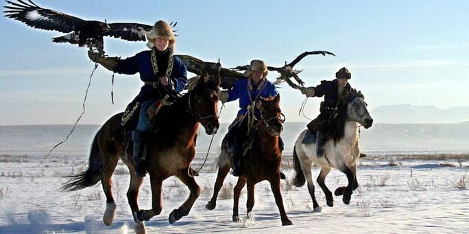 Kasachstan jagd mit dem steinadler bild dpa