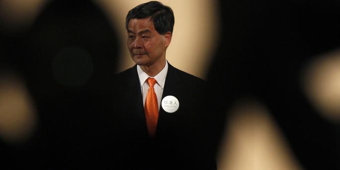 hongkong bekommt neuen regierungschef pekings zweite wahl gewinnt. Black Bedroom Furniture Sets. Home Design Ideas