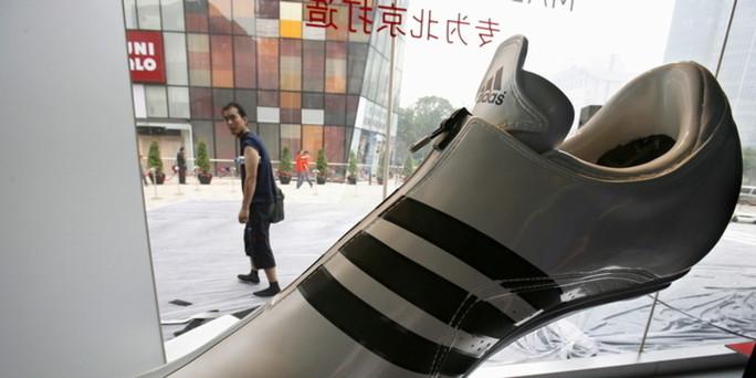 chinesische zuliefererfirmen schlechte l hne lange arbeitszeiten. Black Bedroom Furniture Sets. Home Design Ideas