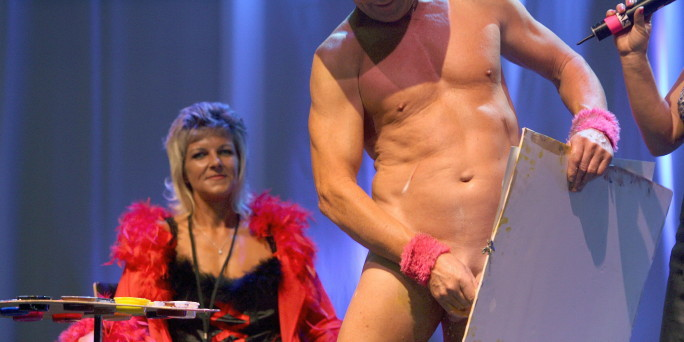 Pricasso Schwingt Seinen Pinsel Auf Der Erotikmesse Sepo In
